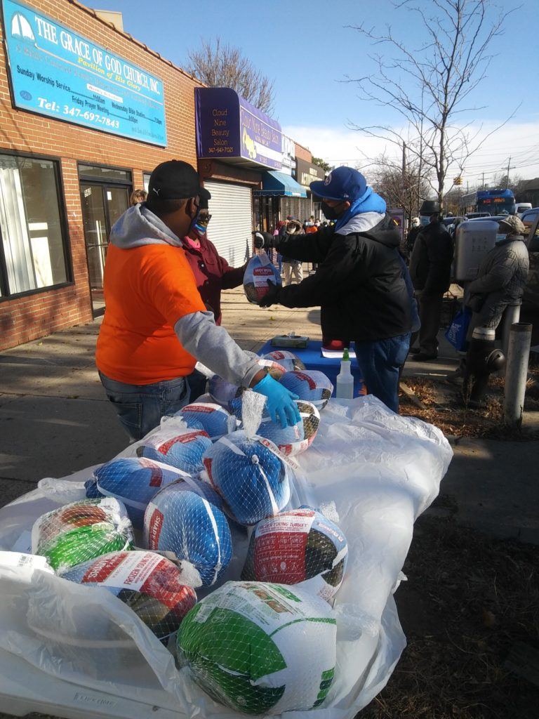 The District Council of Carpenters joined State Senator Jamaal Bailey to hand out one hundred and fifty turkeys to constituents of the Senator in front of his office